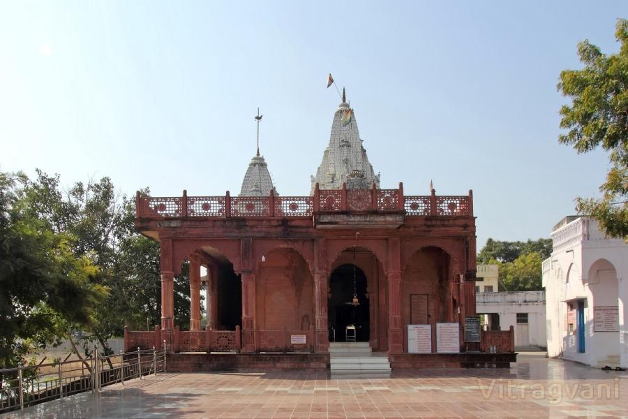 Shree 1008 Parshwanath Digambar Jain Atishay Kshetra, Makshi